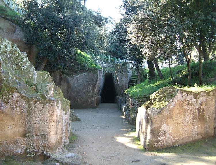 Cumae oracle entrance